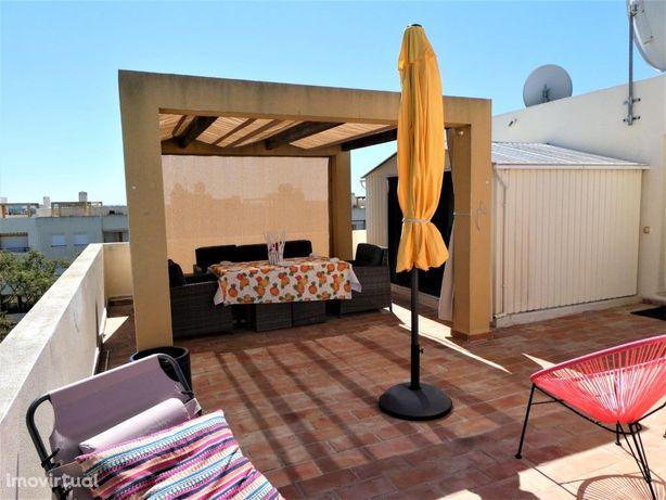 Tavira, apartamento 2 quartos com terraço enorme e privado