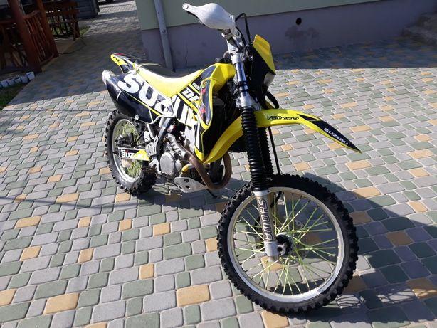 Suzuki drz400E..