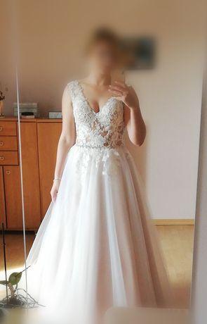 Suknia ślubna, typ A, delikatny różowy kolor r. 40/42