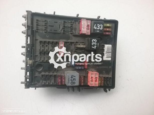 Caixa de fusíveis AUDI A3 (8P1) 2.0 TDI | 05.03 - 08.12 Usado