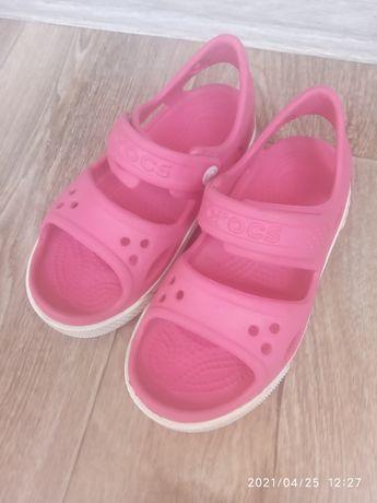 Босоножки, сандалии Crocs на девочку