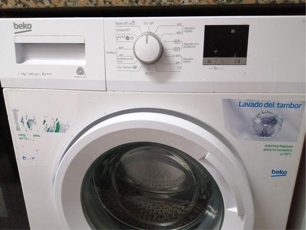 Máquina de Lavar Roupa BEKO WTE 7611 BWR (7 kg - 1200 rpm - Branco)