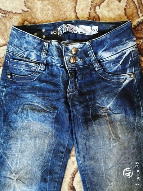 Модные джинсики для девочки