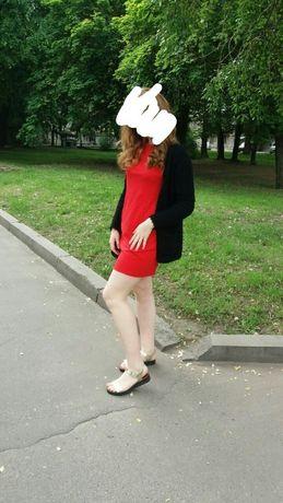 Красное платье прямое,футляр