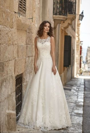 Suknia Ślubna - elegancka, bogata w zdobienia + welon GRATIS