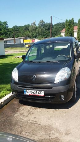 Продам хороше сімейне авто Renault Kangoo