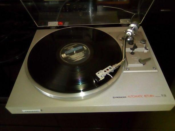 Gira discos Pioneer PL-514