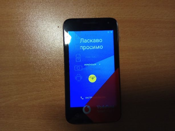 Продам свой новый Vodafone, гарнитура Plantronics