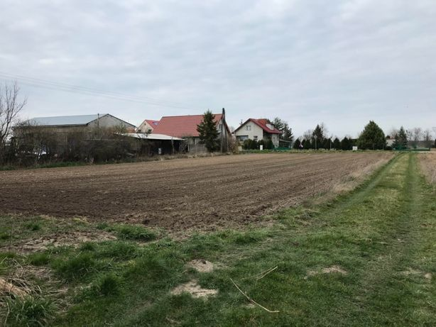 Działka budowlana 14 ar w Garbcach UZBROJONA / droga S5