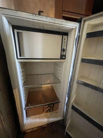 Холодильник советский