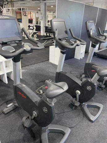 4 szt. Rowery pionowe i poziome Life Fitness Engage dotyk