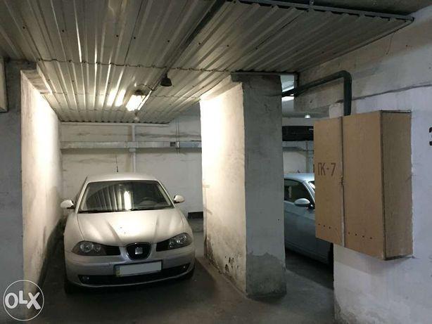Продается парковочное место 18 кв.м в доме ул. Васильковская 18
