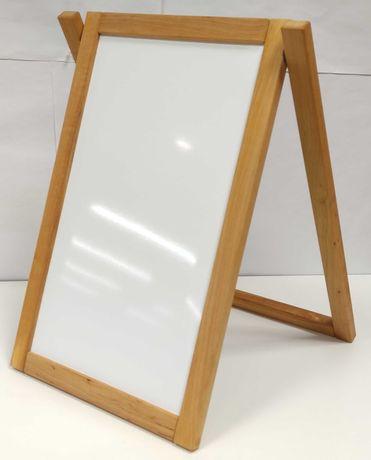 Вертикальна дошка на підставці у дерев'яній рамі (маркер/крейда)