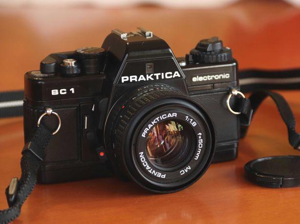 SLR analógica Praktica BC1 com Objetiva Prakticar Pentacon 50/1.8