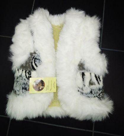 Продам теплую жилетку на рост 80-82 см+ куртка в подарок