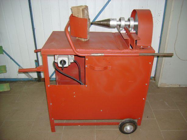 Rębak do drzewa ( łuparka ) 5,5 KW .380 V