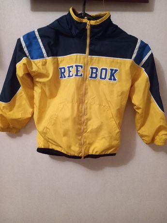 Курточка,вітровка reebok