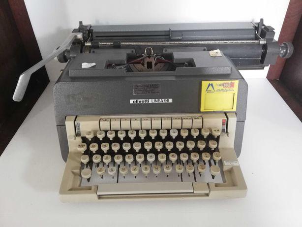 Máquina de escrever antiga - Olivetti Linea 98 - Condição imaculada