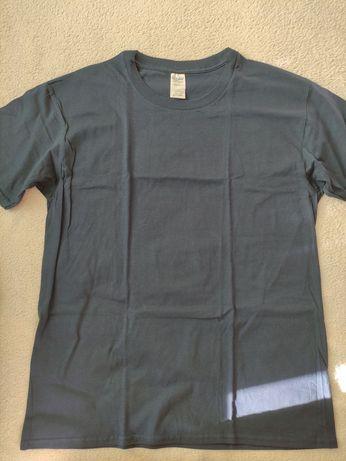 Новая мужская футболка L