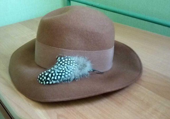 damski kapelusz roz. S wiosna 2021 fedora filcowy z piórkiem