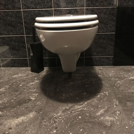 Toaleta WC miska ustępowa z deską