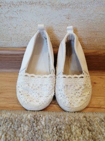 Buty dla dziewczynki espadryle, baleriny, crocsy