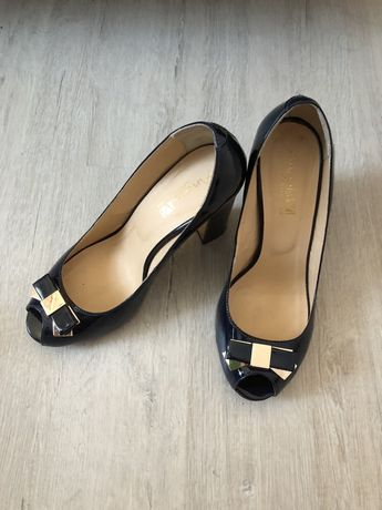 Женские темно-синие туфли, 39 размер