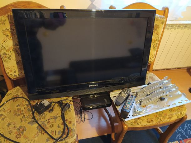 "Samsung telewizor TV 32"" LE32B350F1W + uchwyt do TV + gratis"
