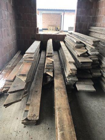 deski szalunkowe, stemple, kliny po jednej budowie