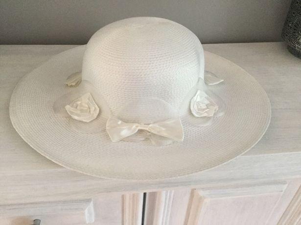 Elegancki kapelusz .Nowy