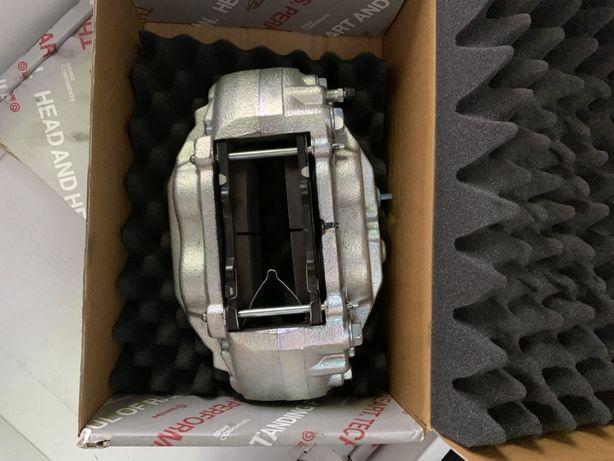 Комплект тормозов на Lexus lx570, Toyota LC200