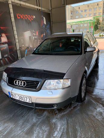 Автомобіль Audi A6