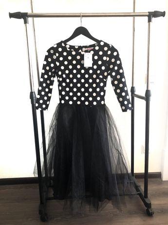 Плаття жіноче, М