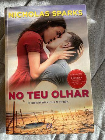 """Livro de Nicholas """"No teu olhar"""""""