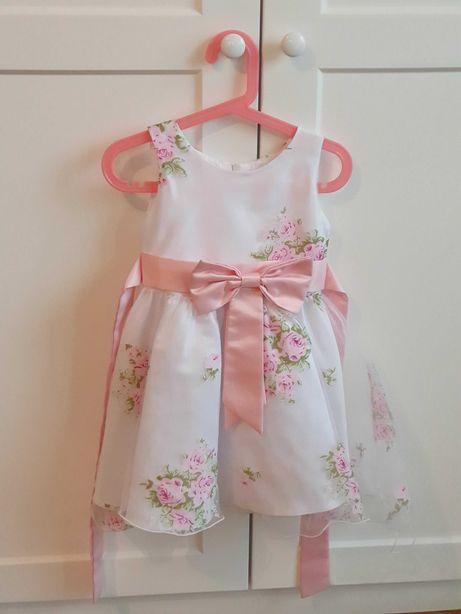 Sukienka dziecięca wyjściowa w różyczki z kokardą