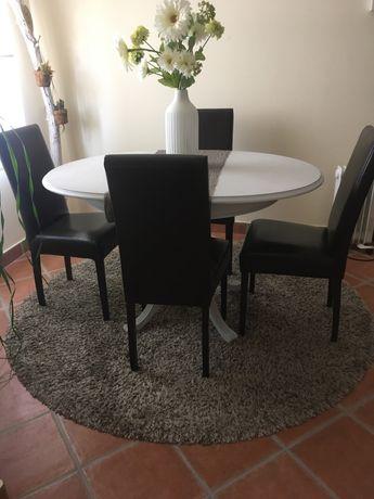 6 cadeiras castanhas escuras bom estado 15 € cada