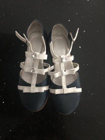 Sapato monnalisa tamanho 30