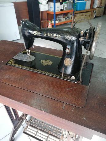 Vendo máquina de costura SINGER, antiguidade.