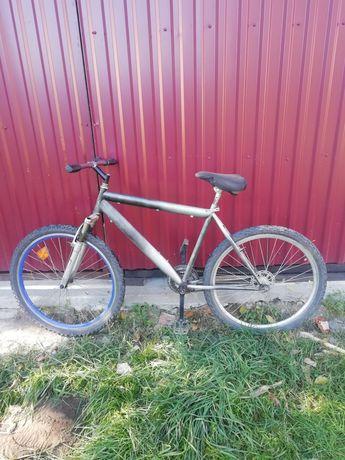 Продаву велосипед срочно стан 5/10 треба покласти тросик и тормоза