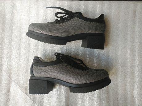 Демисезонные чёрные туфли броги на платформе весна осень 24 см