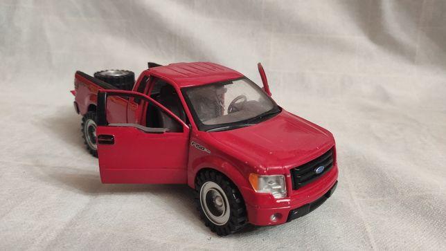 Модель Ford F-150 STX 2010 1.24 Maisto Red