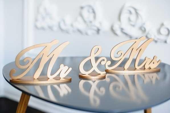 Продам надпись Мистер и Миссис (Mr&Mrs), 15 см