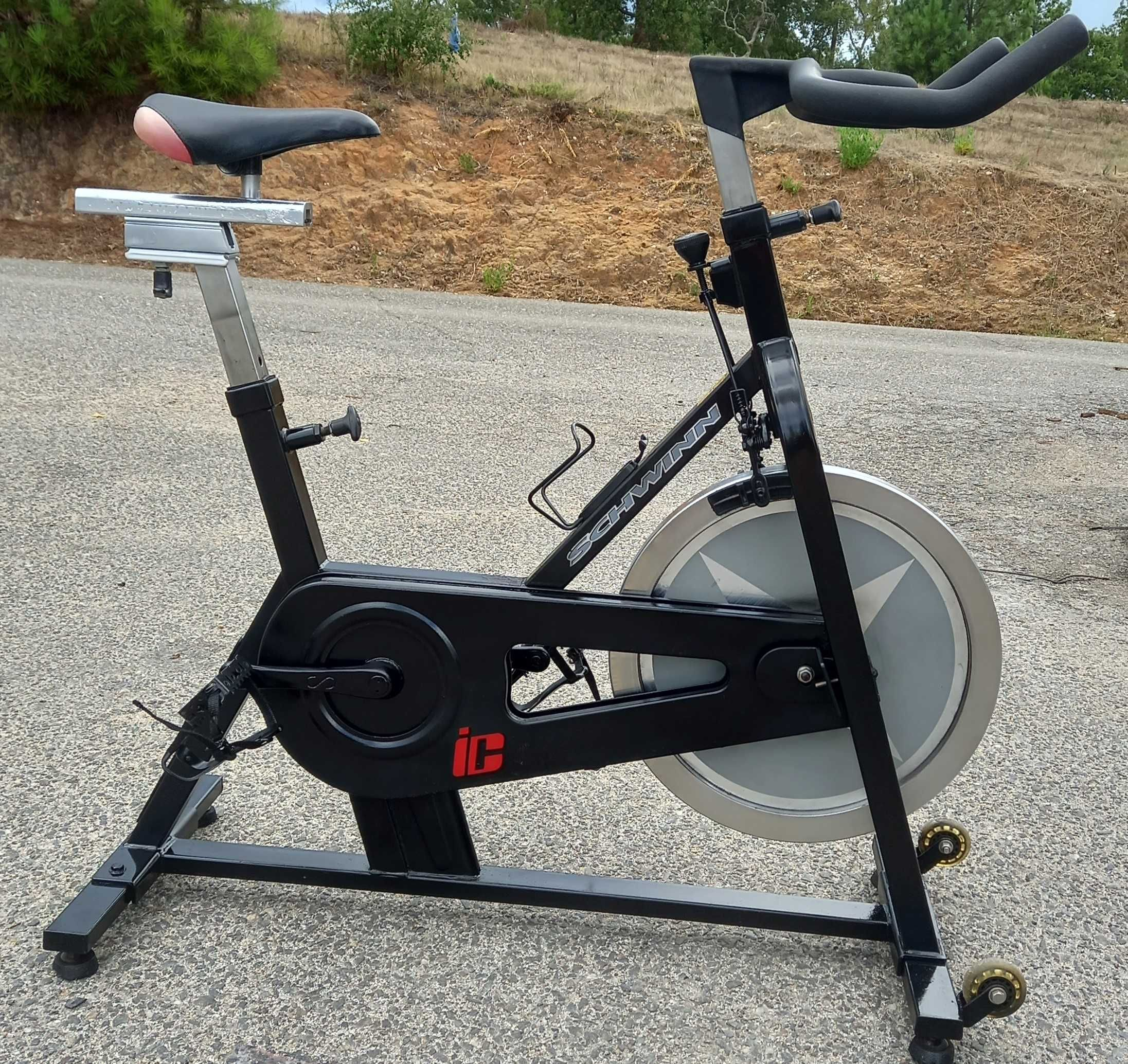 GYMAQ - Spin bike SCHWINN