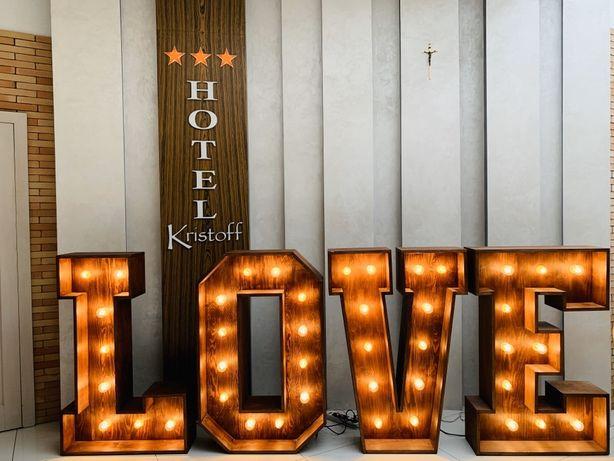 W y n a j e m napisu LOVE rustykalny / ciężki dym / dekoracja LED