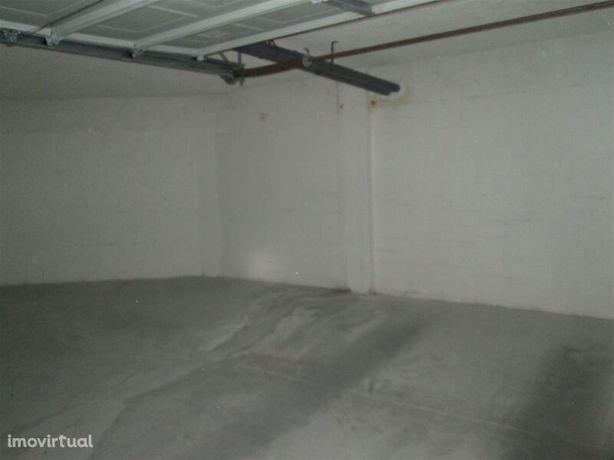Garagem Individual 40 Fundão