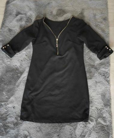 Mała czarna sukieneczka