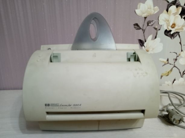 Багатофункціональний принтер HP LaserJet 1100A