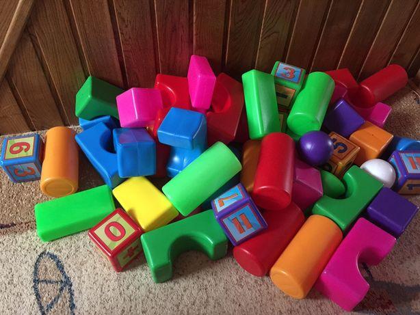Кубики великі кольорові