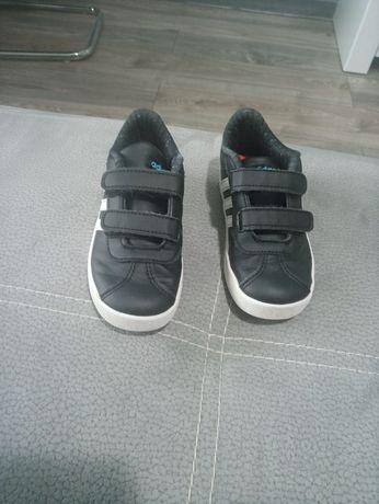 Sprzedam adidaski firmy Adidas roz 26 dł wkladki 17 cm