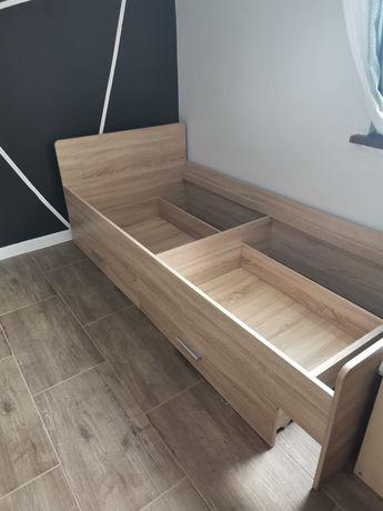 Łóżko 200/90 z szufladami.